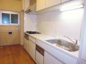 キッチン、カバー施工後2