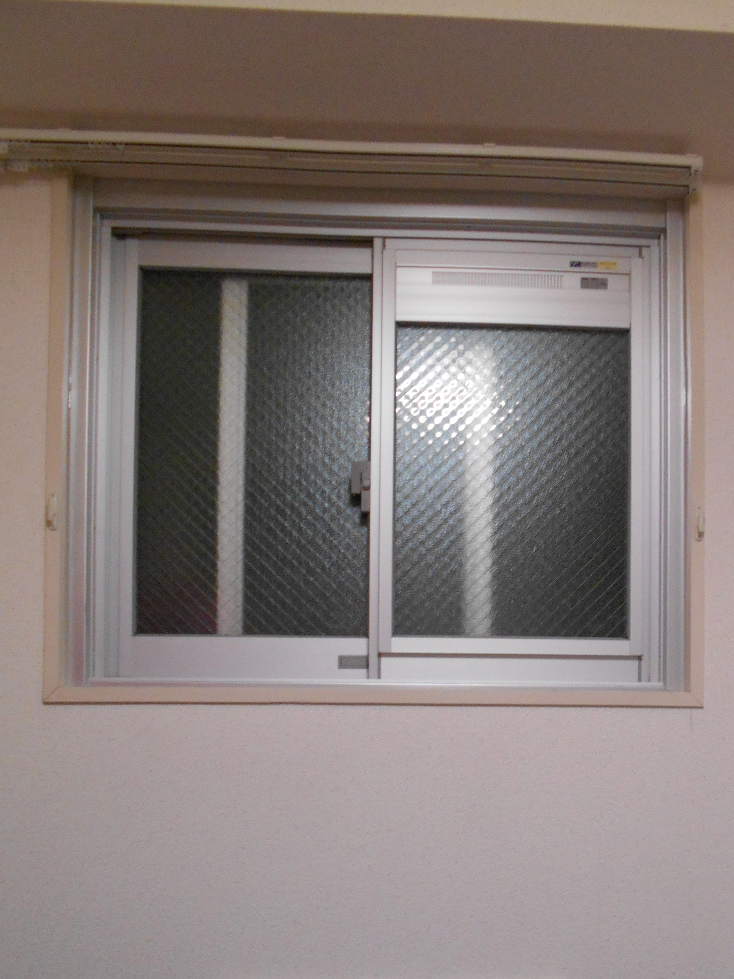 窓を開けずに換気出来ます。