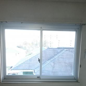 サッシ交換でガラスも変えて冷暖房の負荷を軽減します。