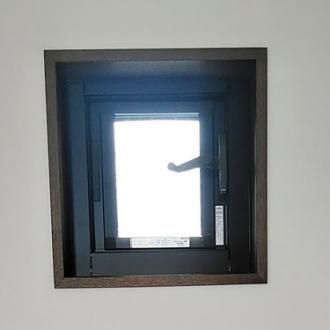 世田谷区 ルーバー窓 サッシ取付 戸建て 株式会社C様